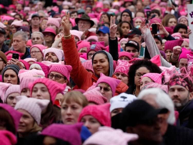 sejarah awal warna pink