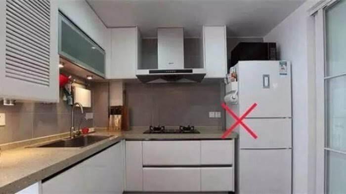 cara mengatasi hp xiaomi cepat panas dengan jangan meletakkan hp di atas kulkas