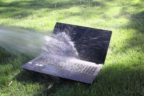 cara mengatasi laptop kena air